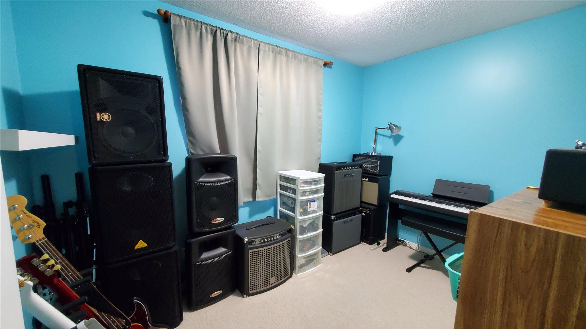 1155 Greenwood Park Drive, Kingston, Ontario (ID K20002564)
