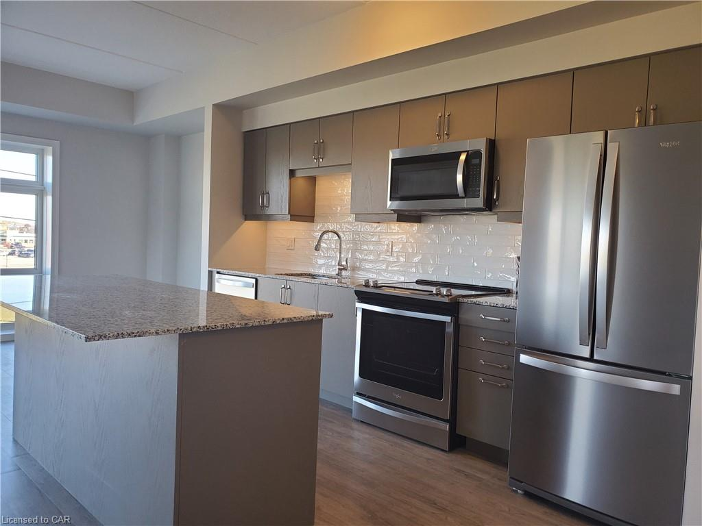 195 COMMONWEALTH Street Unit# 314, Kitchener, Ontario (ID 40032766)