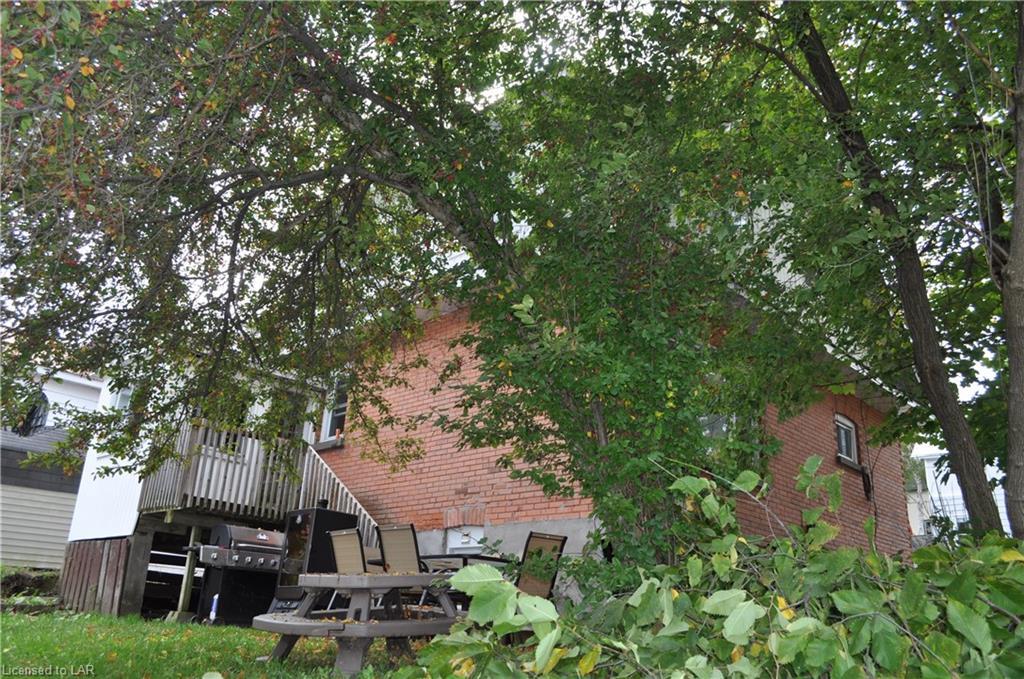 16 LORNE Street S, Huntsville, Ontario (ID 238591)