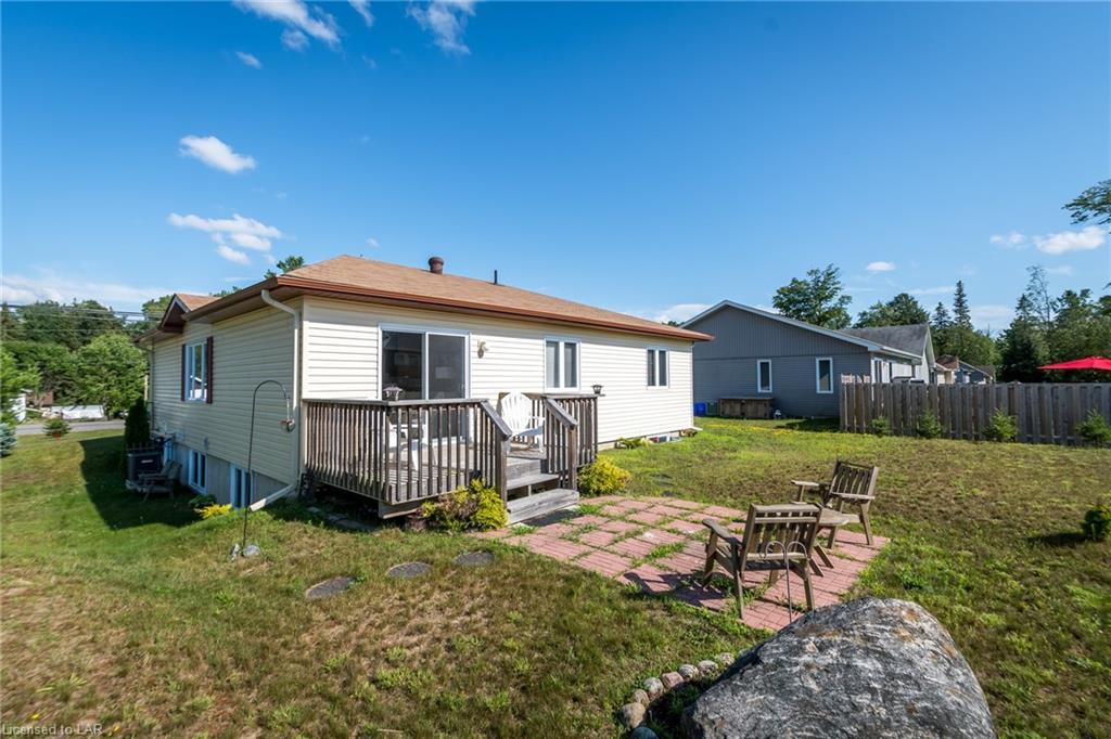 696 MUSKOKA 3 Road N, Huntsville, Ontario (ID 210646)
