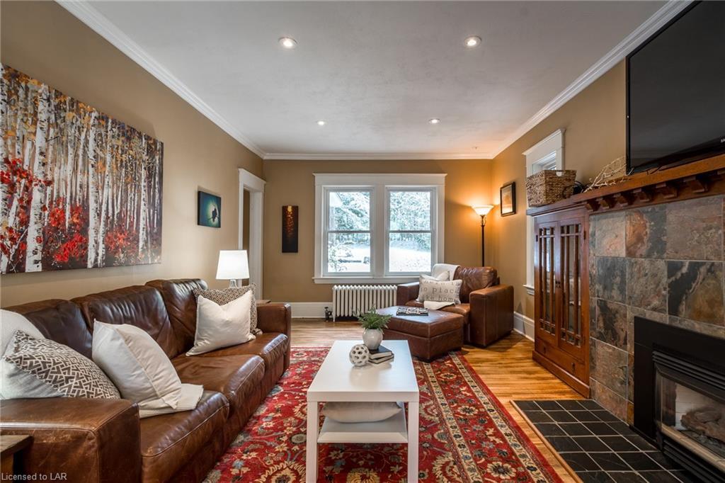 25 KING Street, Huntsville, Ontario (ID 230859)