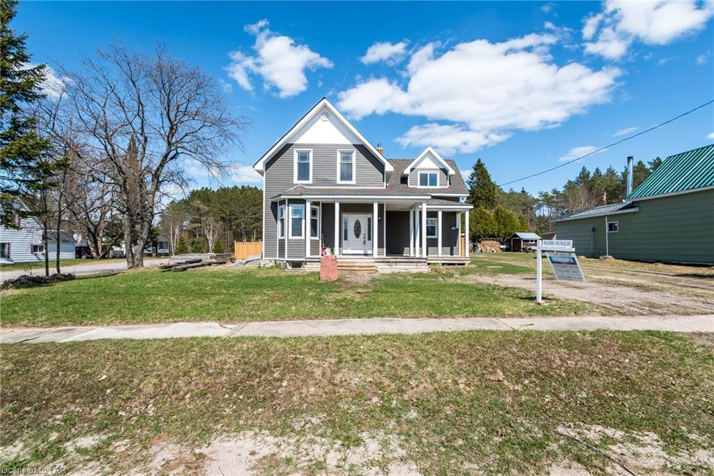 2173 STISTED Road S, Sprucedale, Ontario (ID 233705)