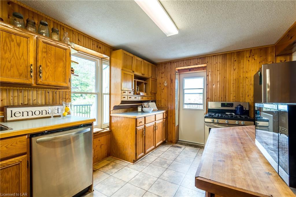 1446 & 1430 ASPDIN Road, Huntsville, Ontario (ID 40120908)