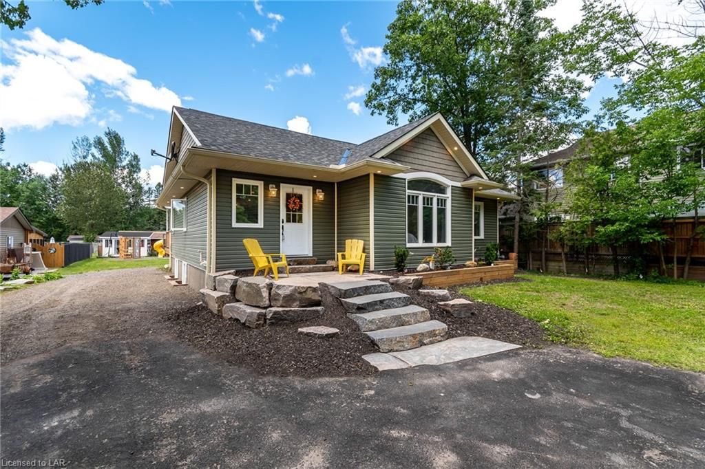 16 SHAY Road, Huntsville, Ontario (ID 40136965)