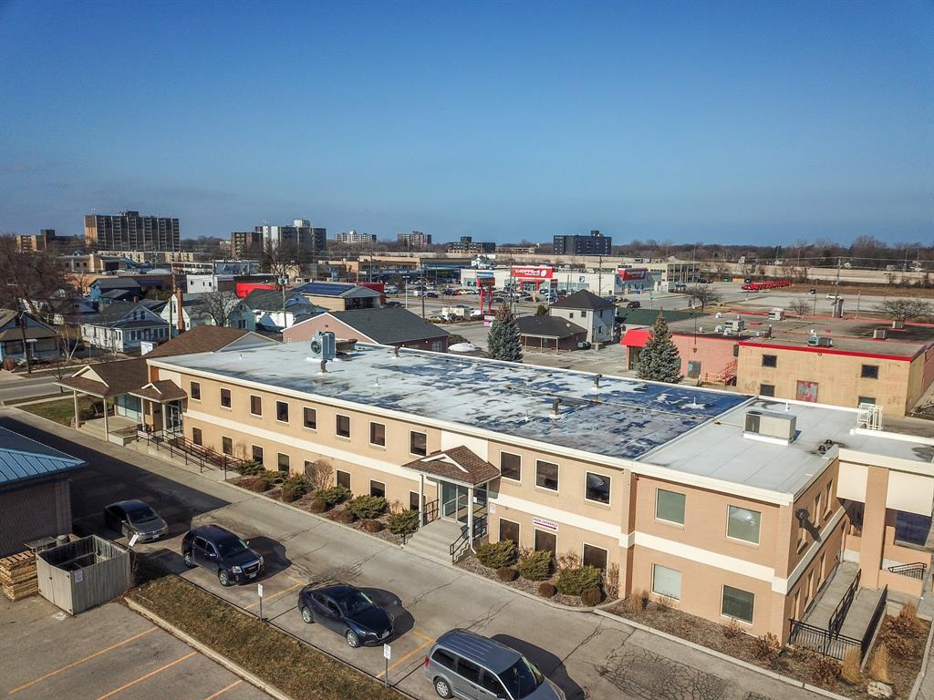 420 EAST Street North Unit# 9, Sarnia, Ontario (ID 21000376)