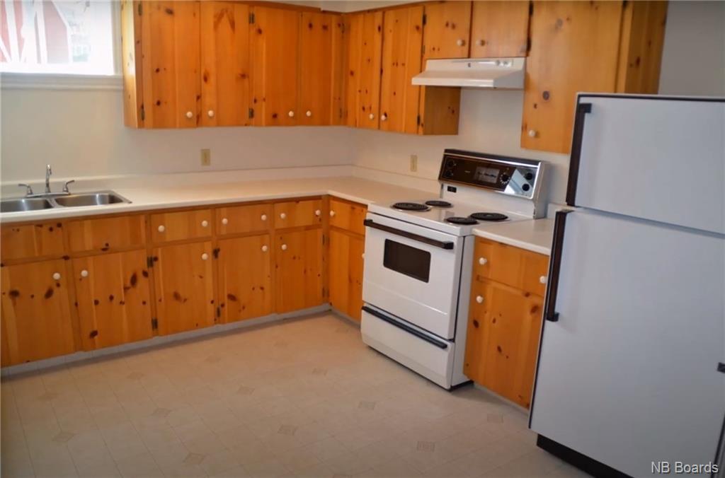 105 Capital Manor, Fredericton, New Brunswick (ID NB052646)