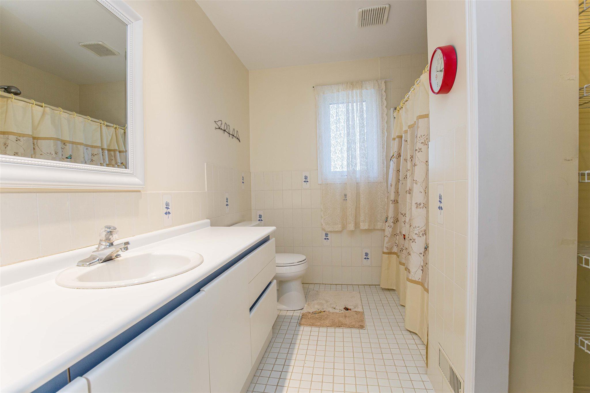 4002A Bath Road, Kingston, Ontario (ID K21001770)