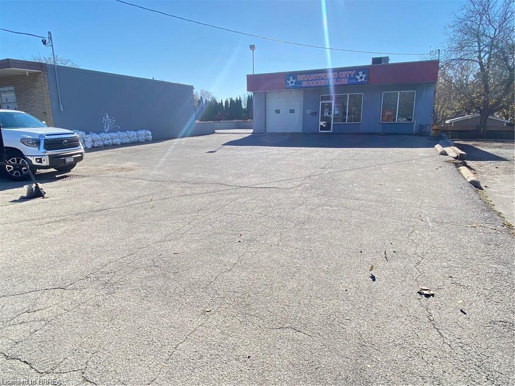 160 CHARING CROSS Street, Brantford, Ontario (ID 40115641)