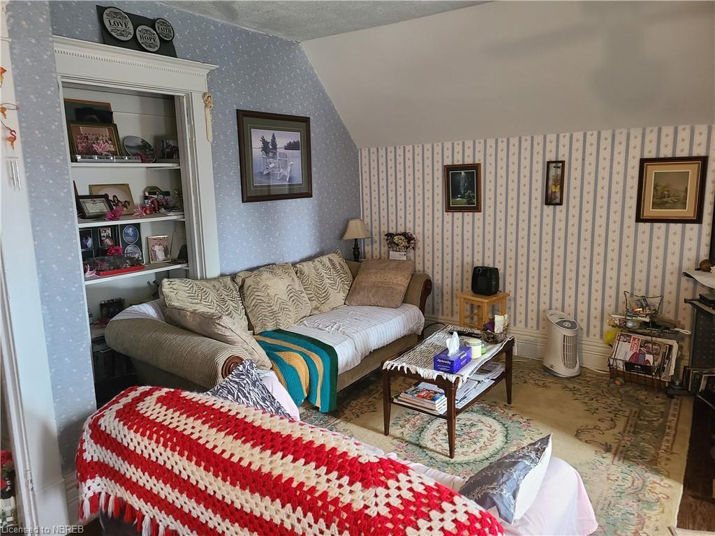 252 WORTHINGTON Street E, North Bay, Ontario (ID 40117436)