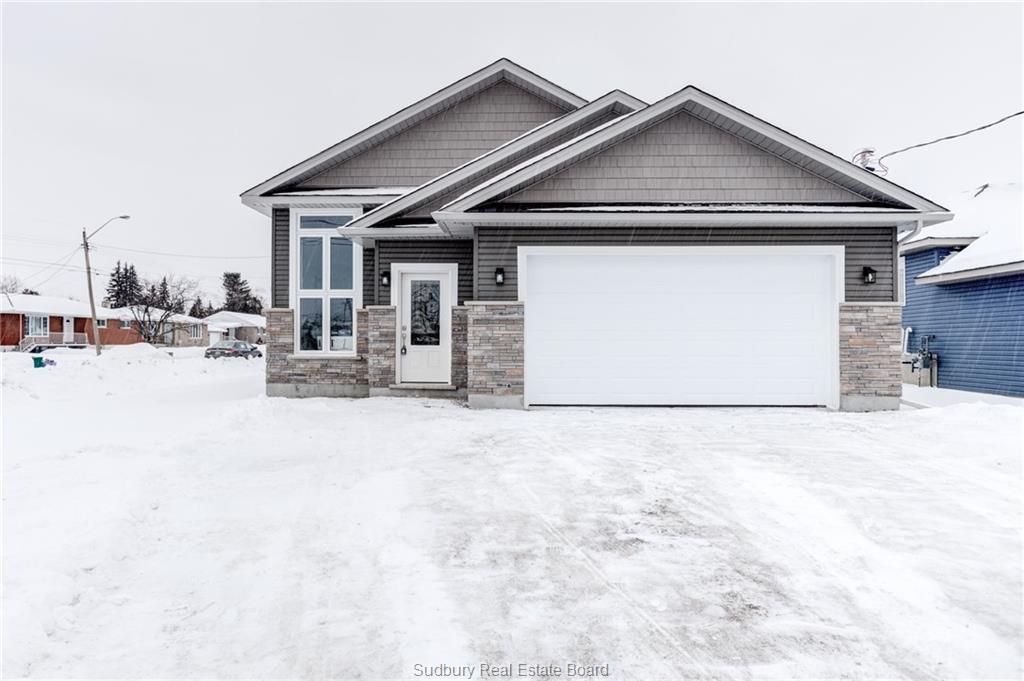 1304 Lamothe, Sudbury, Ontario (ID 2083859)