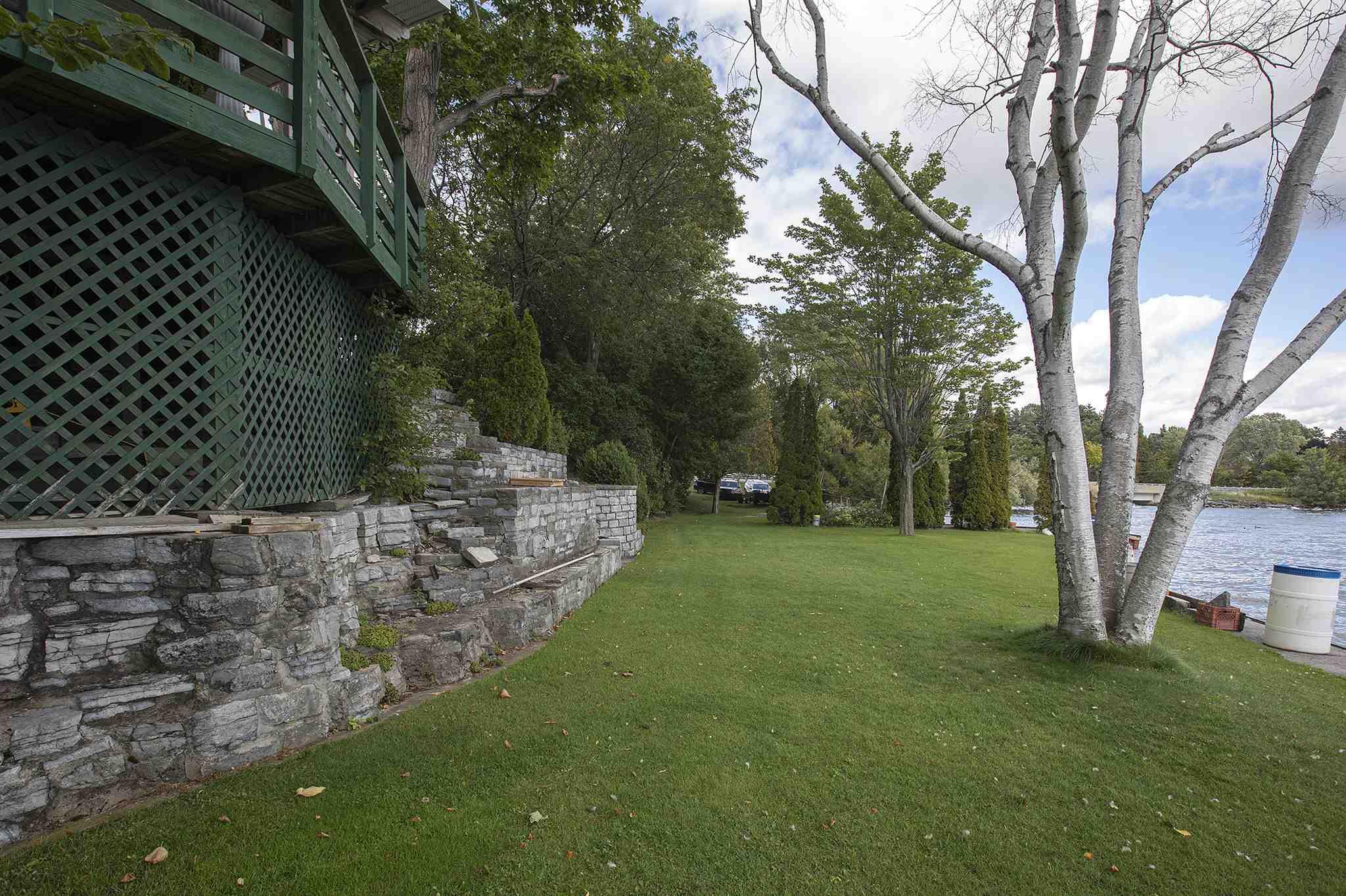 4914 Bath Road, Loyalist Township, Ontario (ID K19005860)