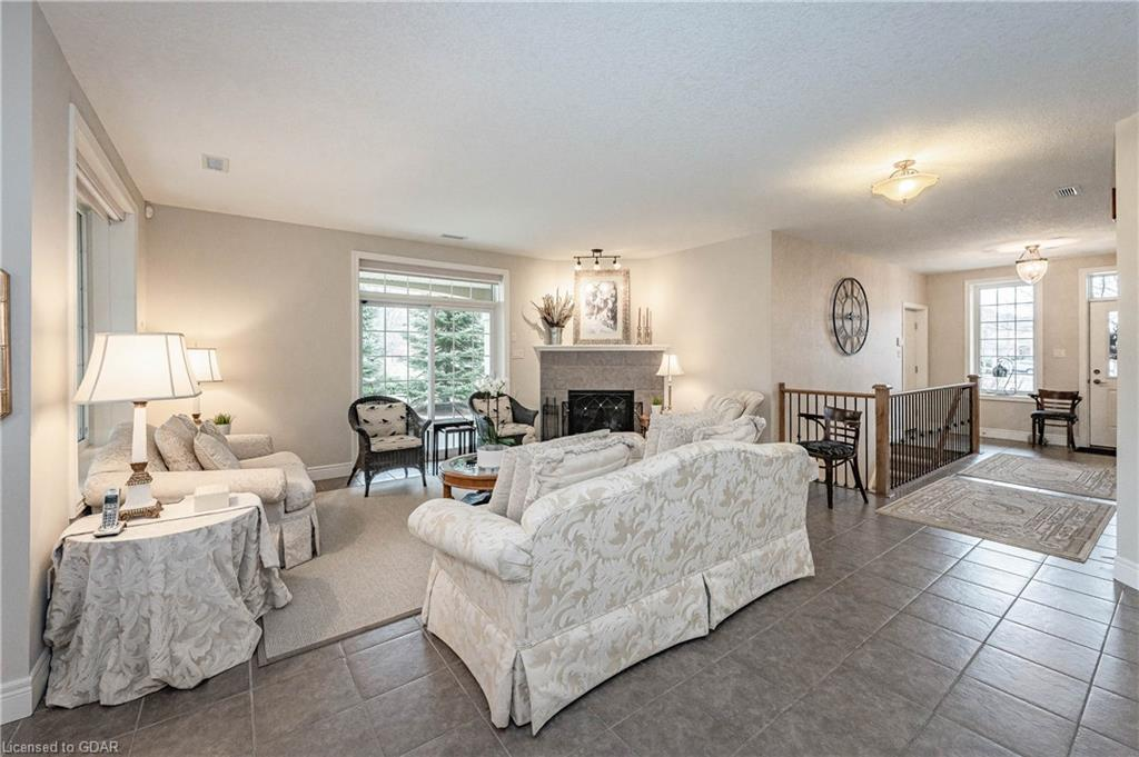255 SUMMERFIELD Drive Unit# 24, Guelph, Ontario (ID 40082571) - image 9