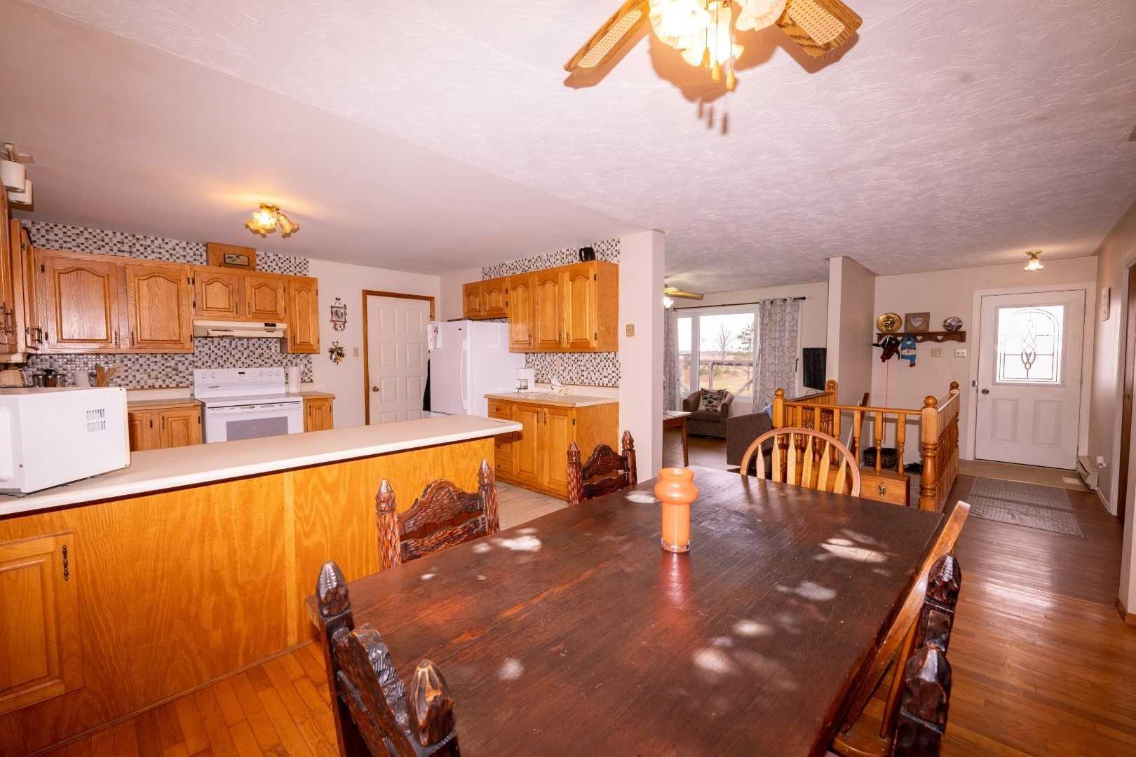 936 Portage Rd, Kawartha Lakes, Ontario (ID X4631674)