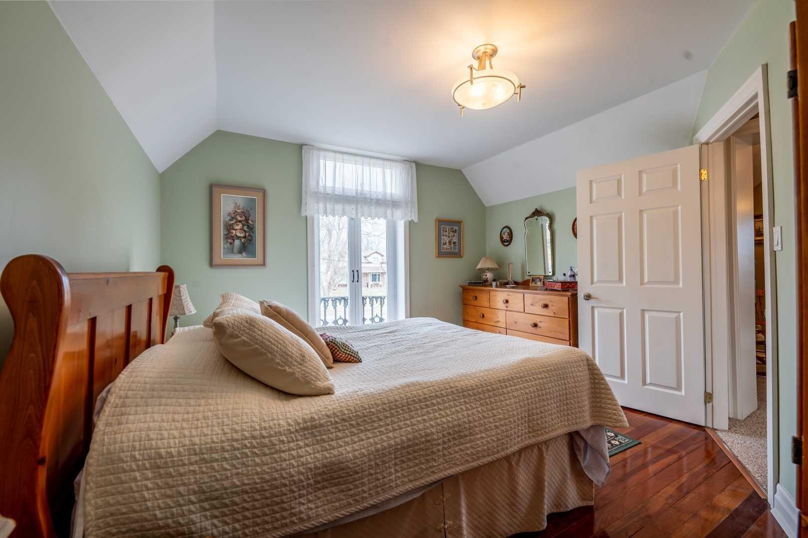 162 King St W, Kawartha Lakes, Ontario (ID X4626224)