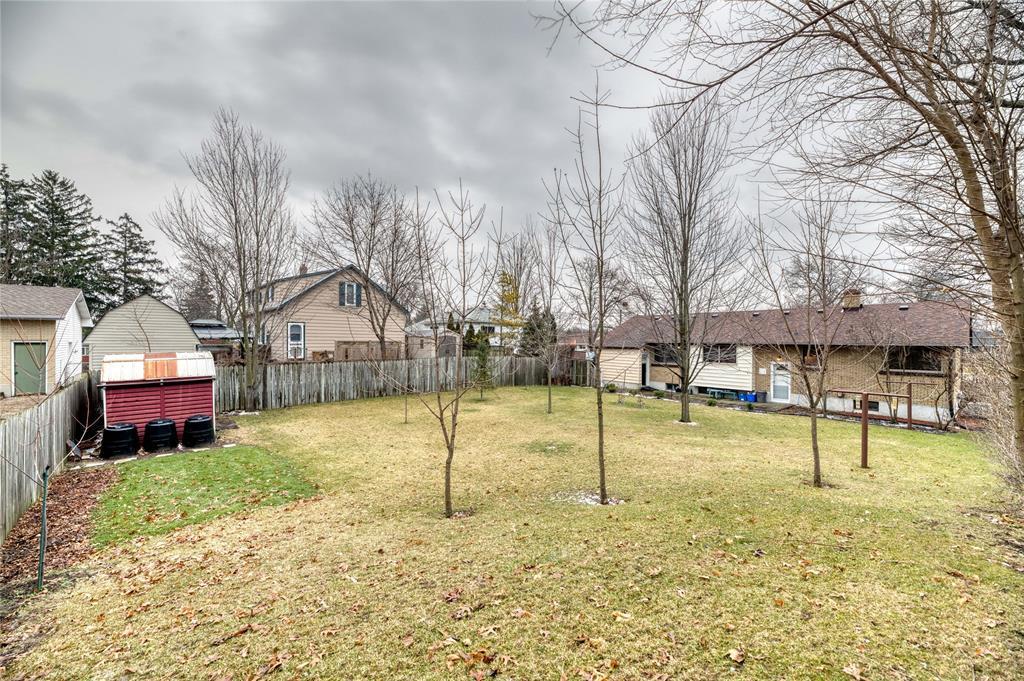 1092 ERROL Road East, Sarnia, Ontario (ID 20000375)