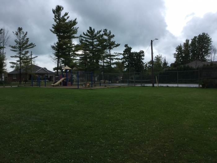 Kids park and tennis courts nearby