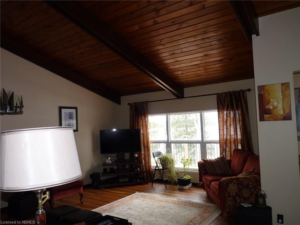 571C REGAL Road, North Bay, Ontario (ID 243680)