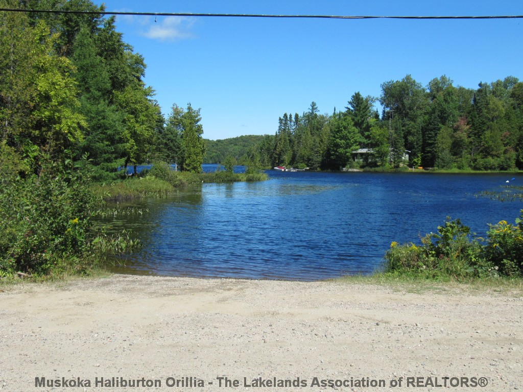 FOOTE LAKE RD East, Novar, Ontario (ID 1709619)