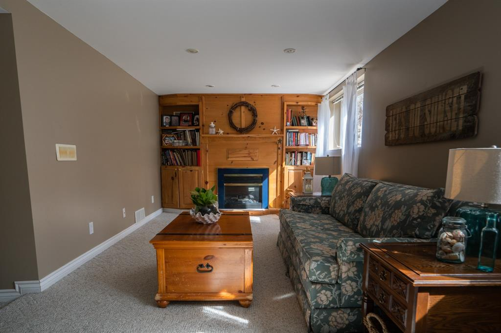 1363 CHRISTINA Street North, Sarnia, Ontario (ID 20002929)