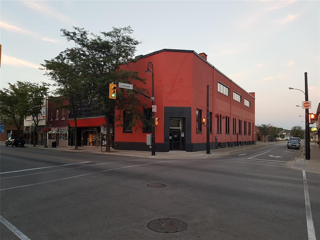140 CHRISTINA Street North, Sarnia, Ontario (ID 20004049)