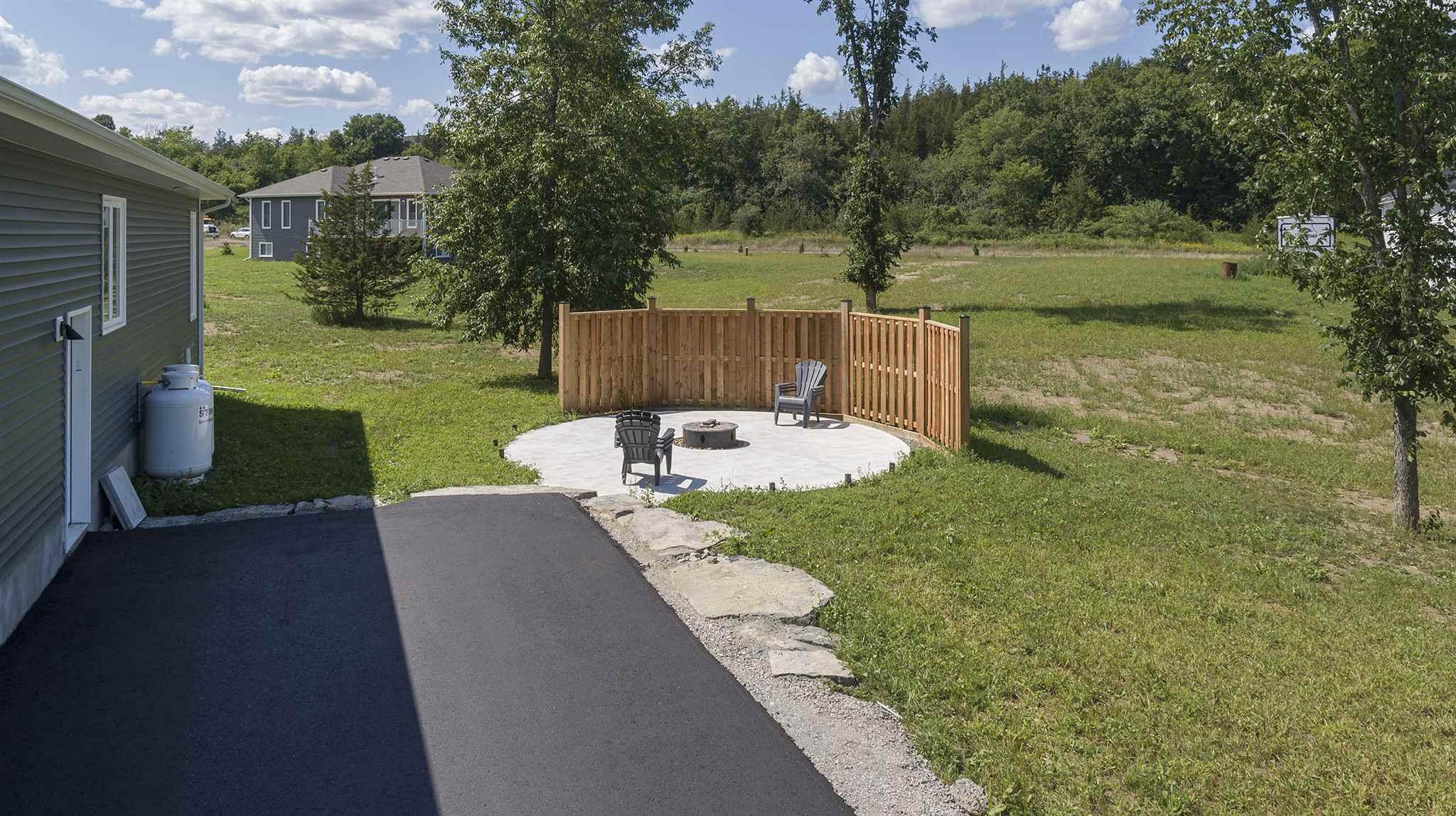 1110 Kona Crescent, South Frontenac, Ontario (ID K20005556)