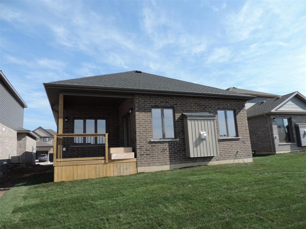 648 Ketter Way , Plympton-wyoming, Ontario