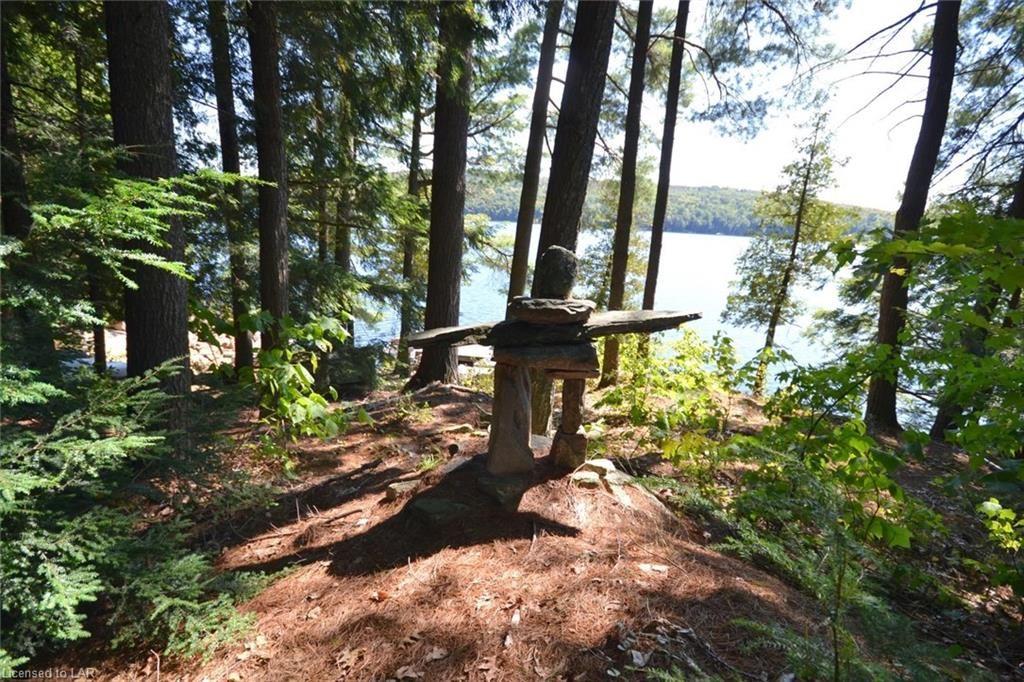 11008 HUNTER ISLAND, Haliburton, Ontario (ID 154633)