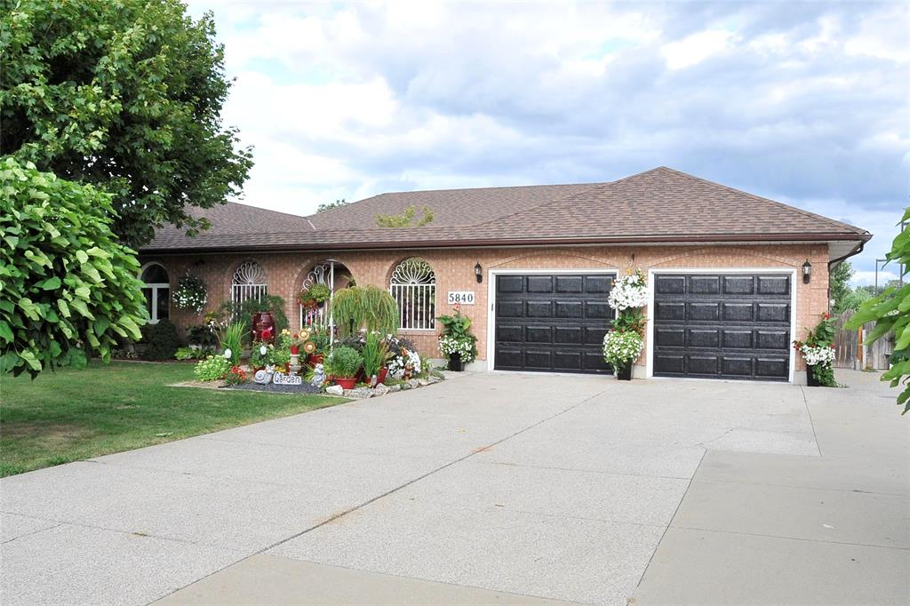 5840 BLACKWELL Sideroad, Sarnia, Ontario (ID 19024525)