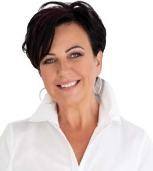Karen Mofford Portrait