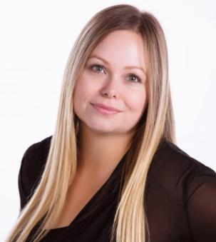 Sarah Tousignant Portrait