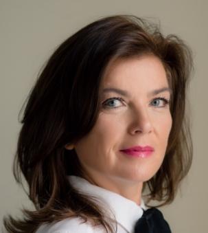 Caroline Miller Portrait