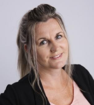 Stacey Landstra, Sales Representative