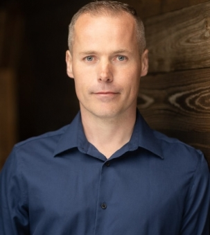 Aaron Knelsen, Sales Representative