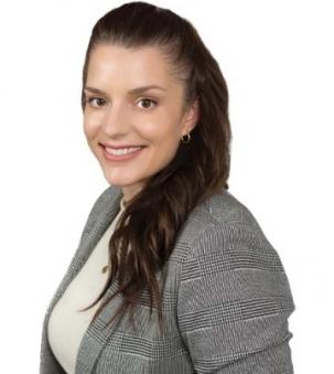 Danielle Powers Portrait