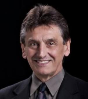 Mel Momirov Portrait