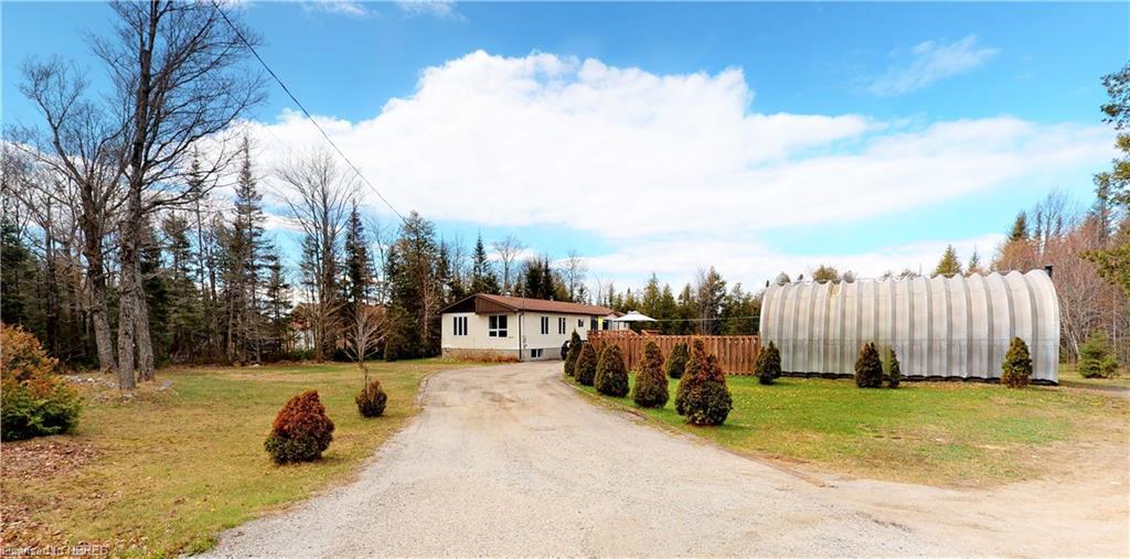 4225 11 Highway N, North Bay Ontario, Canada