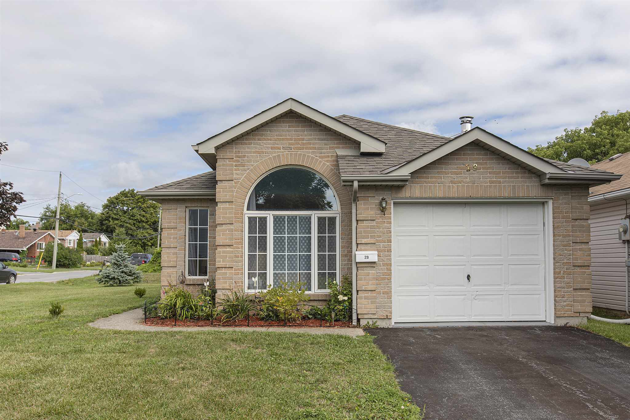 29 Wilfred Crescent, Kingston Ontario, Canada