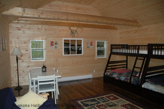 1080 Pineneedle Point Rd, Walkers Point Ontario