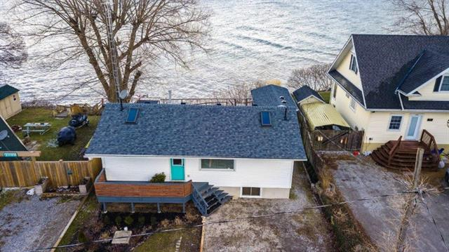 16 Wilcox Drive, Peacock Point Ontario, Canada
