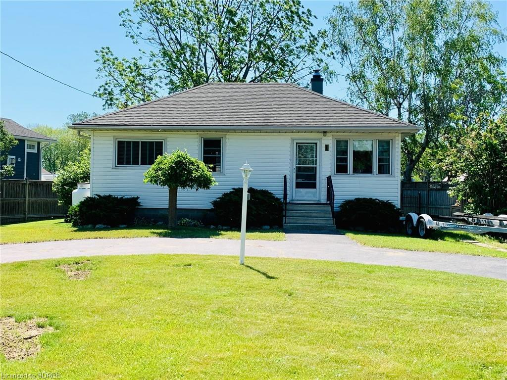 1 Rogers Avenue, Long Point Ontario, Canada