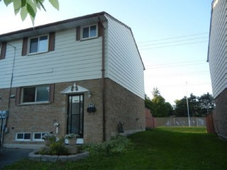 942 Amberdale Cres