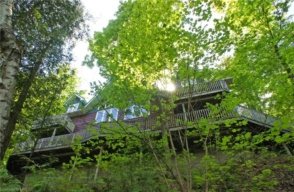1098 Upper Lane, Haliburton Ontario, Canada