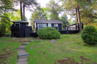394 Oak Point Road, Parry Island Ontario