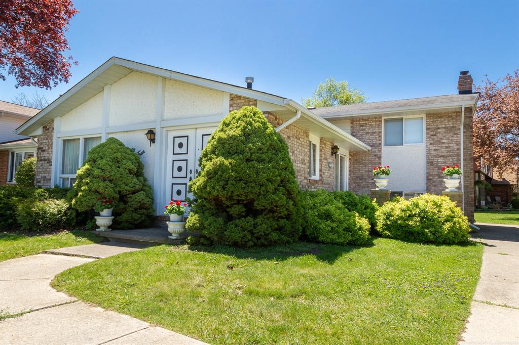 74 Ashby Crescent, Sarnia Ontario, Canada
