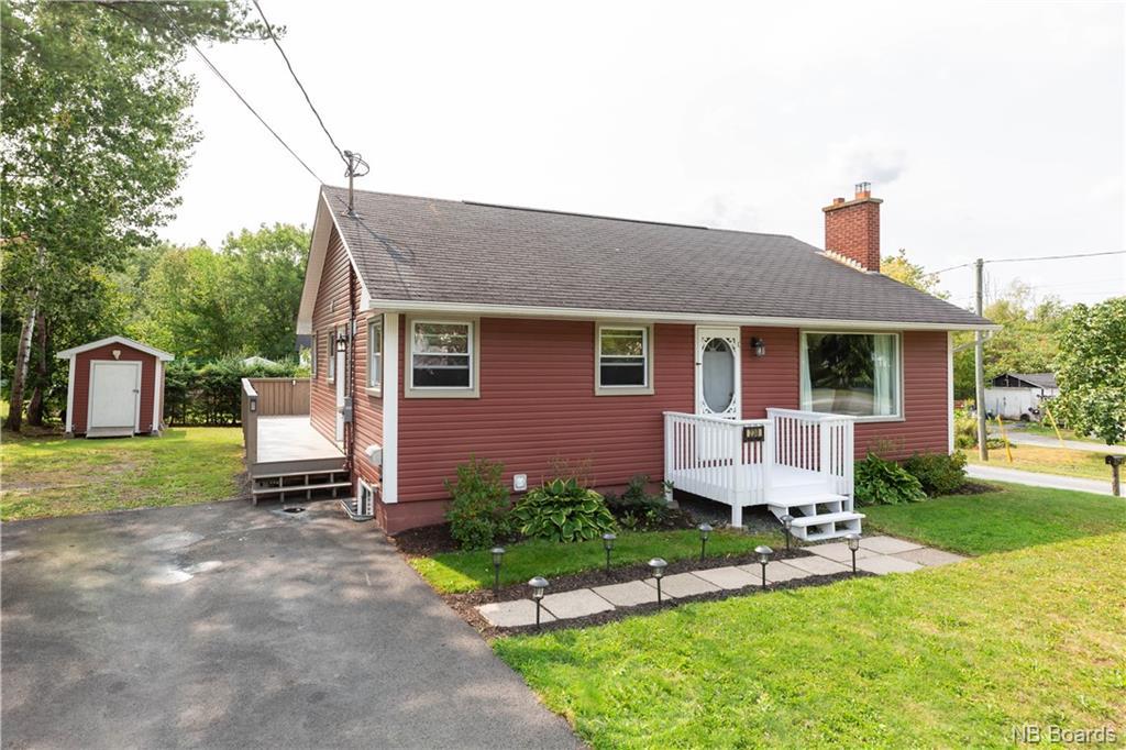 230 Greenwood Drive, Fredericton New Brunswick, Canada