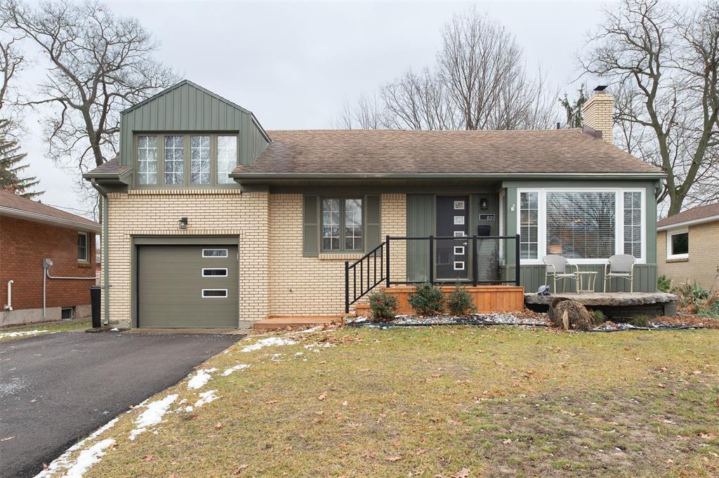 831 Charlesworth, Sarnia Ontario, Canada