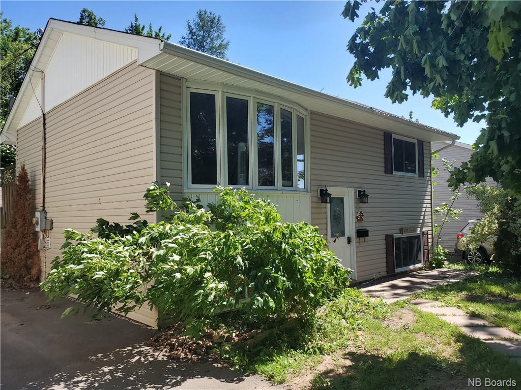 53 Lilac Crescent, Fredericton New Brunswick, Canada