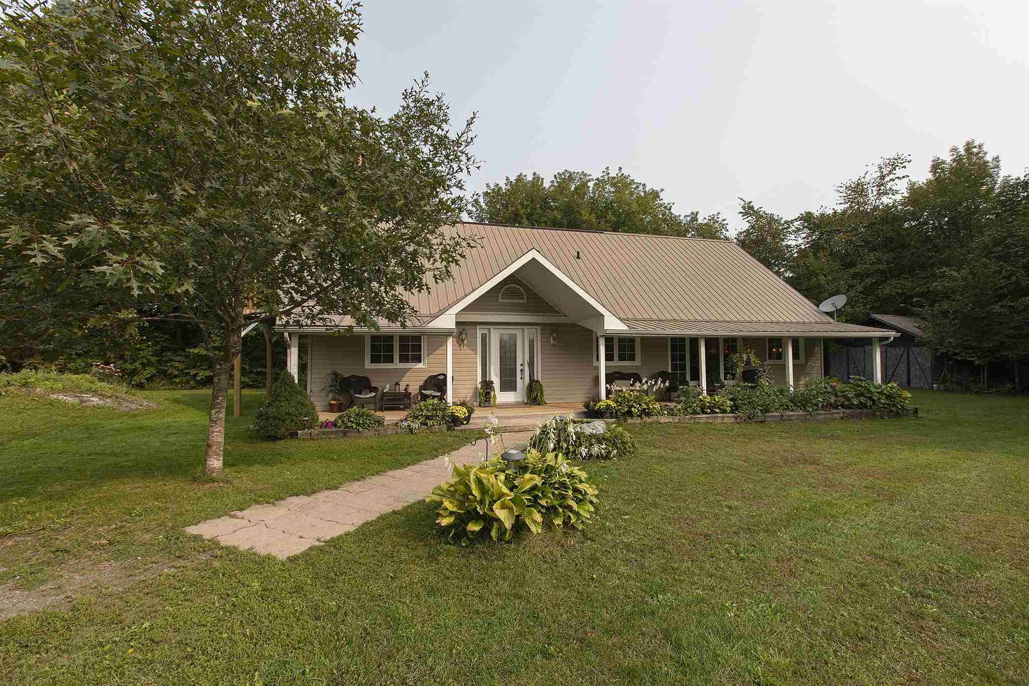 294 Back Street, Leeds & 1000 Islands Township Ontario, Canada