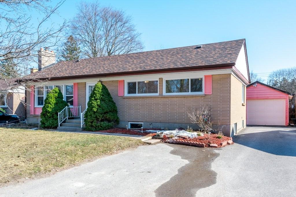 893 Kensington Drive, Peterborough, Ontario, Canada