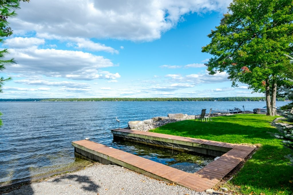 2925 Ayotte's Point Lane, Youngs Point, Ontario, Canada